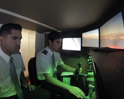 Alumnos en simulador 2018